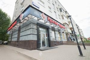Входная группа в магазин обуви по ул.Революционная, 56 в г.Уфа